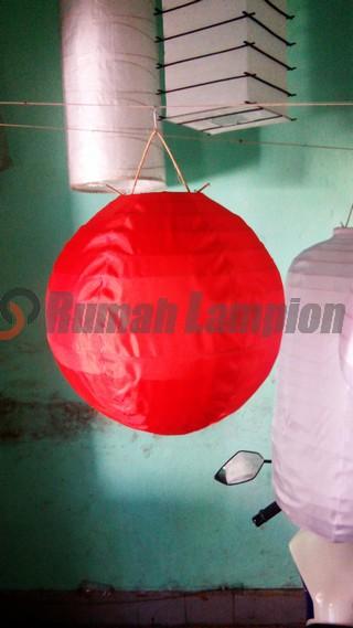 Lampion Bulat 20 cm